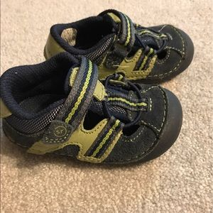 Stride Rite Other - Stride Rite Velcro shoes