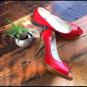 Mossimo red patent stacked heels with platforms