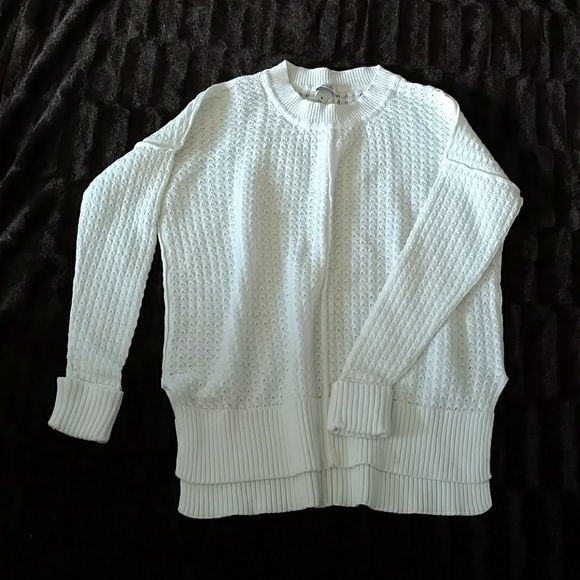 only mine - Women's Beautiful white sweater from Julie's closet on ...