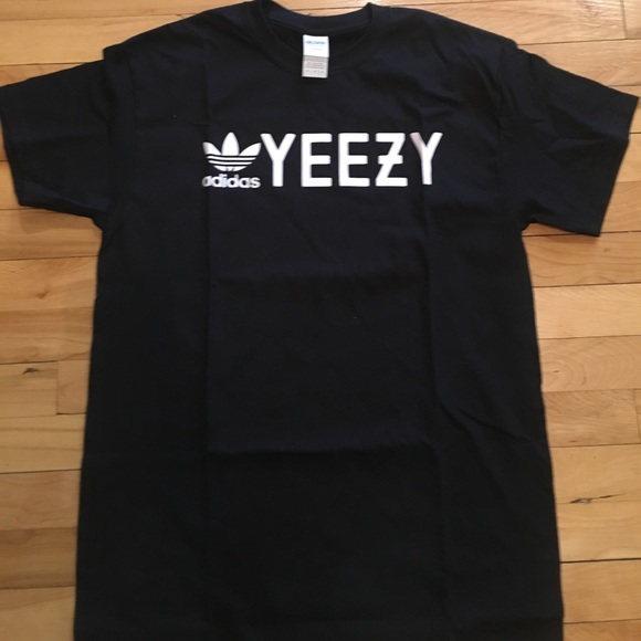 lowest price 3835e 1e9de Yeezy T shirt. M 5923511ac6c79520310db624
