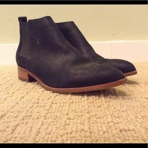 Black pointed ankle boots size 6