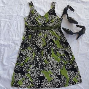 Apt.9 Dresses & Skirts - Apt. 9 Sleeveless Green and Black Swing Dress