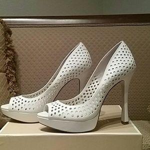 BCBG Shoes - Fabulous BCBG Summer Heels