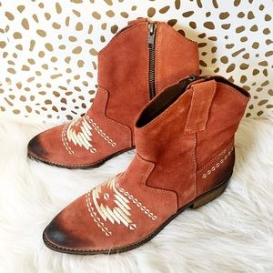 Musse & Cloud Shoes - New Musse & Cloud Embroidered Western Booties