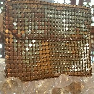 VINTAGE COIN/ JEWELRY PURSE!