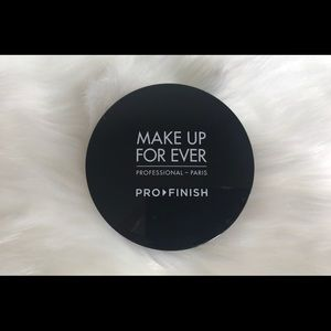 Makeup Forever Other - Makeup Forever Pro Finish Powder Foundation