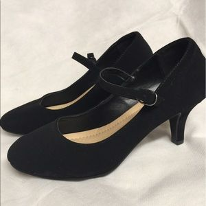 Shoes - Brand new pumps