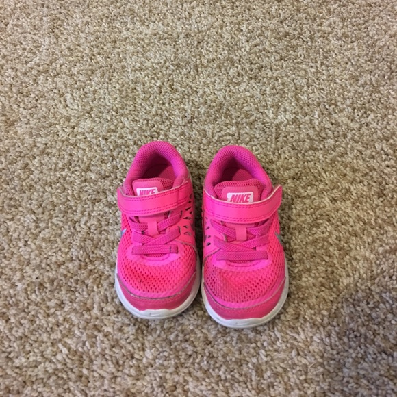 85 nike other nike pink infant tennis shoes size 4