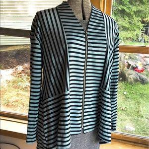 Comfy USA zippered top, size L. Teal black