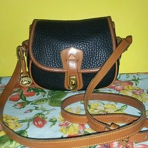 Dooney & Bourke Handbags - DOONEY BOURKE*RARE*VTG 'ARROWHEAD SPORTING POUCH'