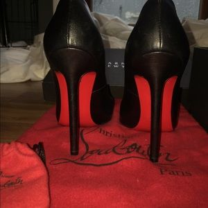 Christian Louboutin Shoes - Pigalle Christian Loubs size 36