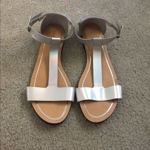 Deena & Ozzy Shoes - Deena & Ozzy Silver Holographic Sandals