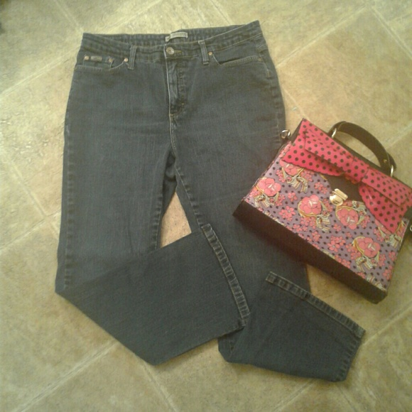 Straight Leg Jeans & Denim. Clothing & Shoes / Women's Clothing / Pants / Jeans & Denim. of 34 Results. Lee Women's Classic Fit Straight Leg Jean-Light Fawn. 1. Quick View $ 00 Vintage America Boho Straight Colored Jeans Pants Black - 6. SALE. Quick View.