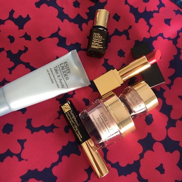Estee Lauder Makeup - Brand new Estée Lauder tote with deluxe samples