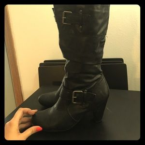 Relativity Shoes - Relativity Black Pleather Boots size 9