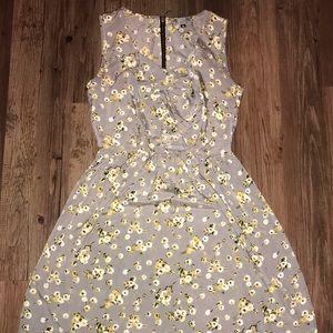 Dresses & Skirts - Grey Floral Sleeveless Dress