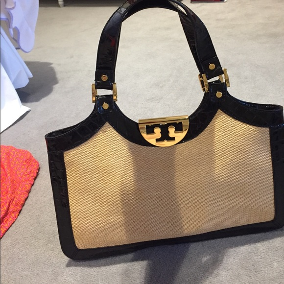 4df70489bd60 Tory Burch Straw and Patent Leather Bag. M 5923856d41b4e0250a01df36