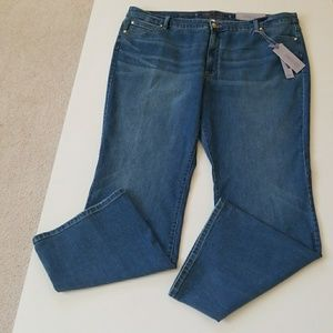 Jennifer Lopez Denim - NWT JLo Super Awesome Jeans