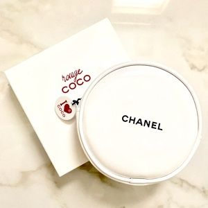 CHANEL Other - CHANEL - Limited Edition - Mini Makeup Pouch Bag