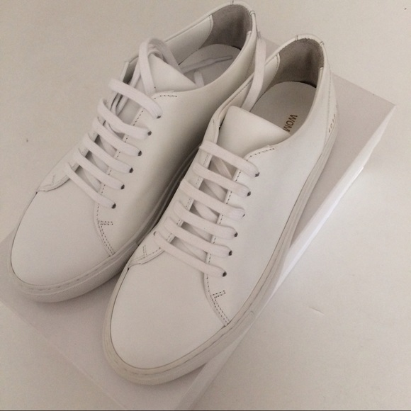 28 off common projects shoes common projects 37 white leather sneakers authen from t 39 s closet. Black Bedroom Furniture Sets. Home Design Ideas