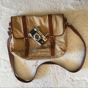 Fossil Other - Fossil Messenger Bag