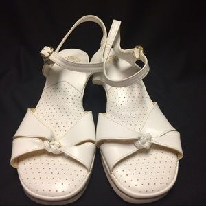 VINTAGE white casual sandals