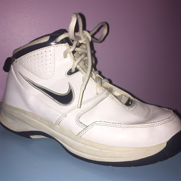 Nike Shoes Youth Basketball Sneakers Unisex Size 5 Poshmark