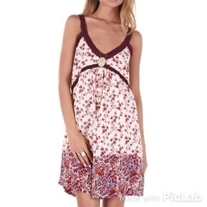 House of Harlow 1960 Dresses & Skirts - House of Harlow Floral Dress