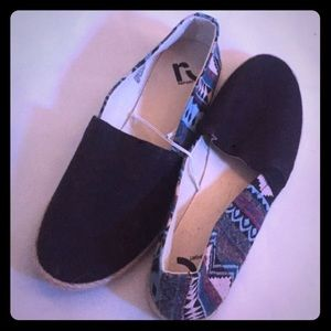 Report Shoes - report canvas slip on SIRACHA WM S 7 1/2 nwot
