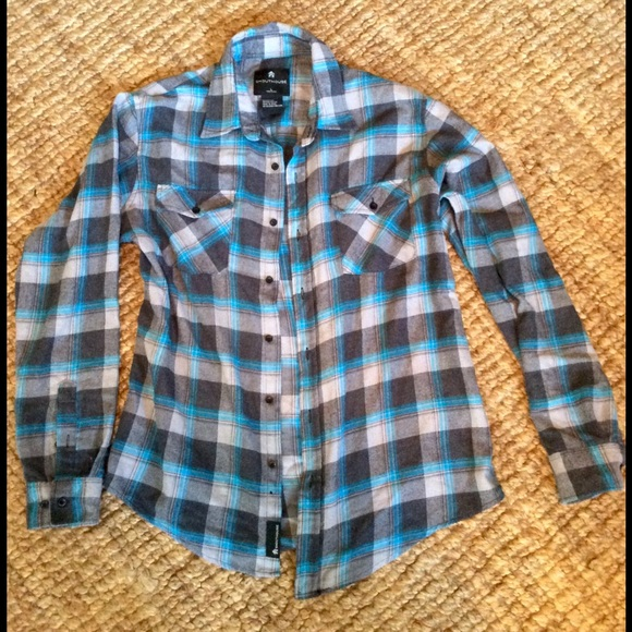This flannel shirt list includes the best classic, organic cotton, plaid, and shirt jackets for fall weather in the outdoors. A nice midweight shirt, it'll keep you warm on chilly days but.