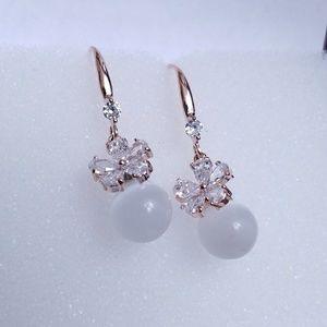 Jewelry - Crystal Flower White Cat Eye Stone drop earring