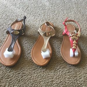 Shoes - Sandals pick a pair.. 1 pair per price