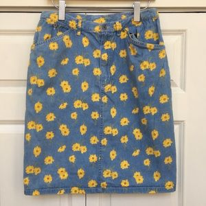 Liz Claiborne Dresses & Skirts - Sunny Denim Pencil Skirt TOO CUTE EUC