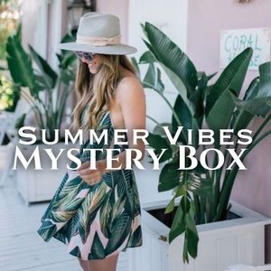 SUMMER VIBES MYSTERY BOX [4 items]
