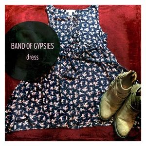 Band of Gypsies Dresses & Skirts - ~BAND OF GYPSIES~ floral summer dress💐☀️