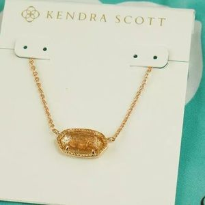 Kendra Scott Jewelry - NWOT Kendra Scott Elisa Pendant Necklace