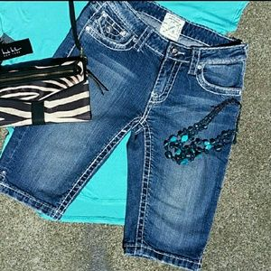 LA IDOL Denim Bermuda Shorts size 27/5 Jr