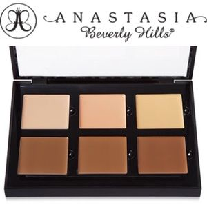 Anastasia Beverly Hills Other - Anastasia Beverly Hills contour & conceal palette