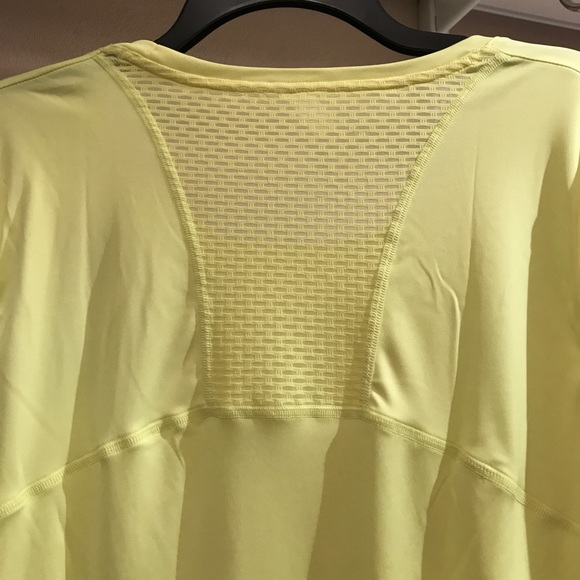 63 Off Under Armour Tops Women 39 S Long Sleeve Shirt By