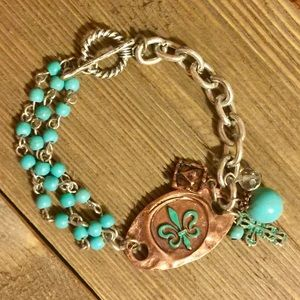 Jewelry - 💠JUST IN !!💠 FLEUR DE LIS CHARM TOGGLE BRACELET