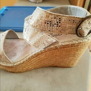 Andre Assous Shoes - Andre assous made in Spain size 37 hardly worn