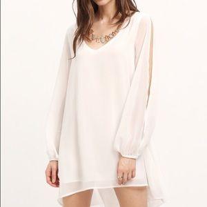 sheinside Dresses & Skirts - V Neck Split Sleeve White Dress