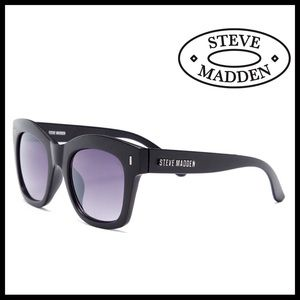 Steve Madden Accessories - ❗️1-HOUR SALE❗️STEVE MADDEN SUNNIES Sun Glasses