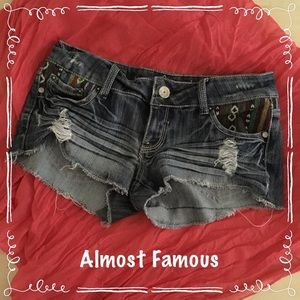 Almost Famous Pants - Almost Famous Embroidered Shorts size 5 #034