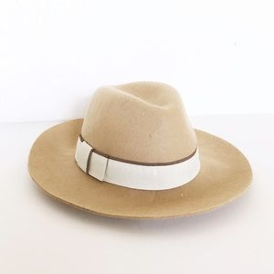 Phase 3 Accessories - NWOT Beige Wool Fedora Hat