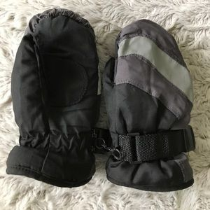 Other - Boys gloves