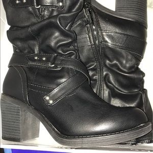 White Mountaineering Shoes - White mountain boots. New in box