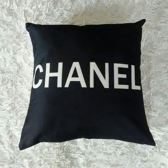 Chanel Accents New Set Of 2 Matching Throw Pillows