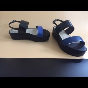 Shoes - Black Flatform Sandals