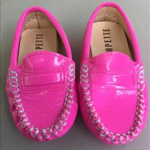 Trumpette Other - Girls Trumpette Hot Pink Moc Loafers Size 4 New